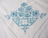 """Vintage Linen Tablecloth Ivory with Blue Embroidered Flowers & Six Matching Napkins 76"""" x 59"""""""