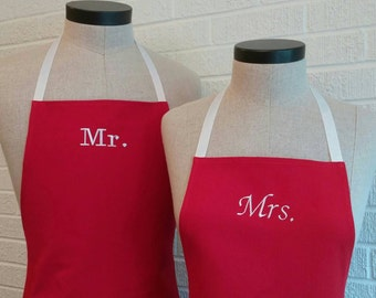 Red Mr & Mrs Matching Apron Set with Pocket - FREE SHIPPING, Made in USA, Red and White Kitchen Gift Idea, Cotton Aprons Wedding Gift