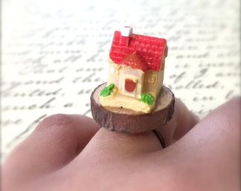 Miniature House Ring. Wood Ring. Cute Kawaii Miniature Fairy Home. Red. Yellow. Woodland. Brass. Vintage Style. Resin. Under 10. Gnome.