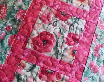 Table Runner Quilt - Coral Pink - Green - White - Poppy - Geranium - Floral