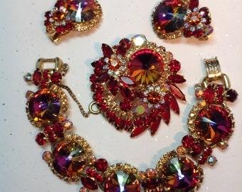 D&E aka Juliana Red Rivoli Demi Parure bracelet, Brooch and Earrings.   Item: 15170