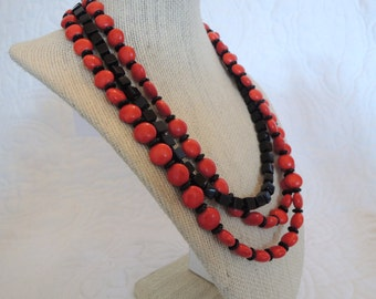 Red Black Triple Strand Round Classic Style Fashion Gift under 40 Toggle