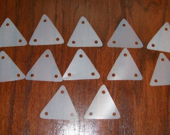 1 set of 12 unmarked, triangular weaving cards/tablets