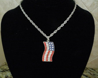 Vintage USA Flag Necklace, Silver Tone Chain with Rhinestone Flag.  Independence Day.