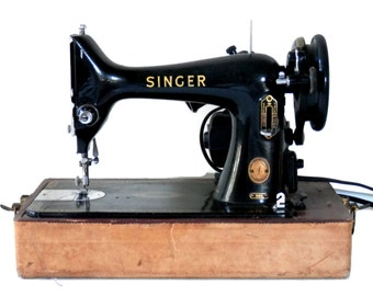Singer Model 99K Portable Sewing Machine Tan and Maroon Case