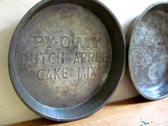 Py O My Dutch Apple Cake Mix Baking Pan Metal Pie Plates Set