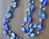 Amazing antique art deco long flapper blue czech glass necklace with brass fittings / DDUNFJ