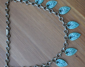 Lovely antique art deco revival vintage silver tone necklace with plastic blue turquoise leaves DYJTIP