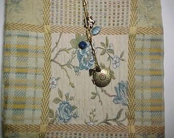 "Crossbody Bag  Reversible Washable ""BLUE ROSES QUILT""  Sling Purse with Keychain / Bagcharm Locket"
