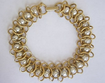 Goldette NY Bracelet Signed Vintage Gold Metal Tone Faux Pearls Chain Maille Round Links New York Bridal Wedding Dainty Lightweight 1960s