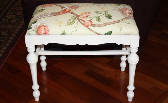 Vintage White Wooden Vanity Bench Upholstered Vanity Stool