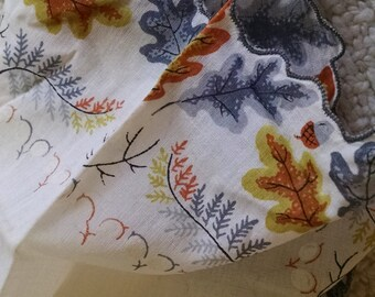 Oak Leaves Printed Handkershief