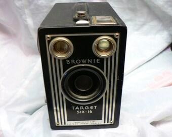 Vintage Brownie Target Six -16 Camera