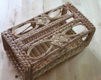 Shabby Chic, Beach Chic, 1960s Vintage Tissue Box cover ,Natural Woven wicker with celtic knot on top