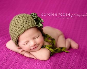 Newborn Photo Prop//Newborn Hat//Crochet Baby Hat//Baby Bonnet//Baby Girl Hat//Baby Shower Gift//Crocheted hat//Newborn Props//Photography