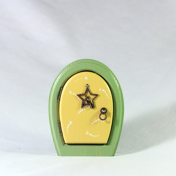 Tinkerbell fairy door for home and garden for Tinkerbell fairy door
