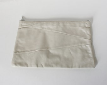 Vintage Off White Italian Leather Clutch Purse Cream Soft Leather 1980s