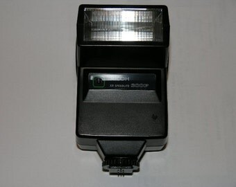 Excellent condition Ricoh model# XP 300P hotshoe camera Xenon flash