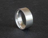 Men's silver ring with a comfort fit