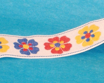 Vintage Jaquard Floral Chain on White - 28mm - Red, Blue, Yellow Mixed Flowers - 1 and Half Yard Destash Piece