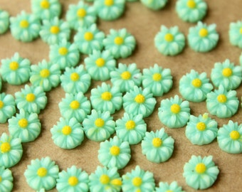 20 pc. Mint Green Two-Tone Daisy Flower Cabochons 8mm | RES-493