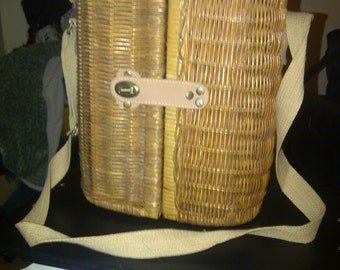 Vintage Wicker wine picnic basket extra nice