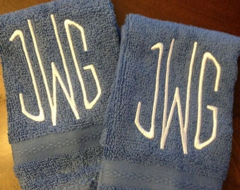 set of 2 washcloths with initial monogram