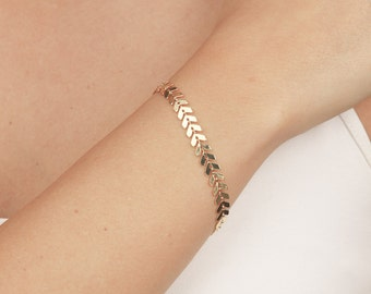 Delicate Gold Bracelet, Dainty Geometric Chain Bracelet, Layered Bracelet, Everyday 24k gold plated jewelry.