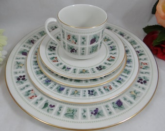 "Vintage Royal Doulton English Bone China 5 piece Place Setting ""Tapestry"" Pattern - 4 available - Wedding Bridal"