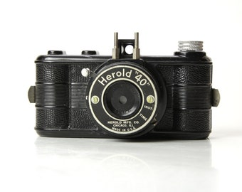 "Antique Bakelite HEROLD ""40"" Camera - 1940's Made in Chicago"