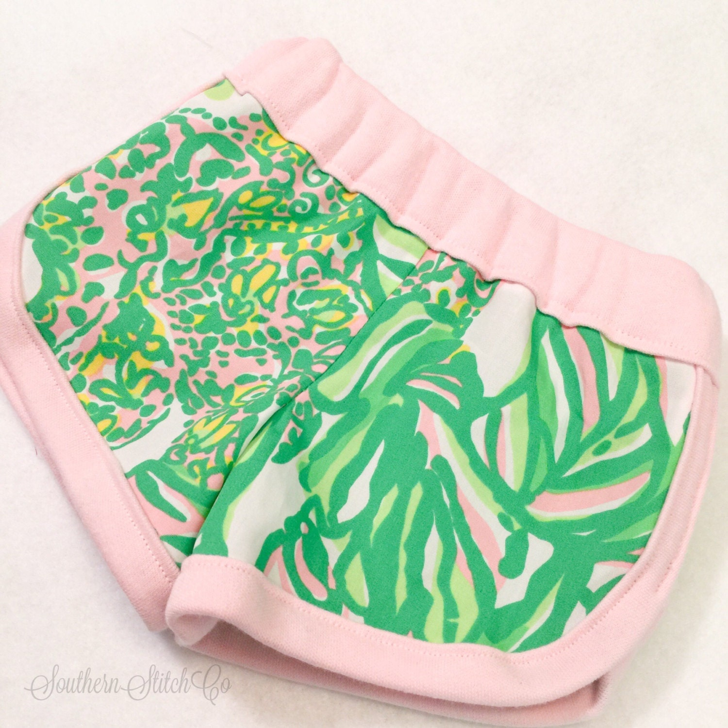 Baby Lounge Shorts in Lilly Pulitzer Seeing Pink