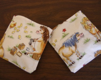 Silly Horse White Print Hand Warmer Corn Cozie