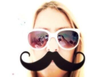 White sunglasses- summer holidays- beach- nautical style- plastic glasses- fashion eyewear- white vintage sunglasses-old days eye protection