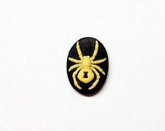 6 of 18x13 mm Cream over Black Widow Spider Cameos, Steampunk Gothic Great for Pendants, Earrings, Rings