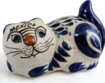 Vintage Cat Figurine SMALL Hand Painted  Mexico