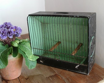 Vintage painted wooden birdcage / budgie show cage.