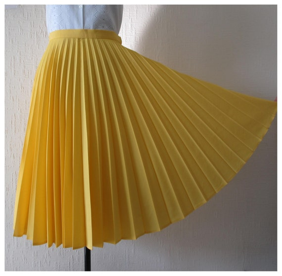 80s 1950s skirt circle skirt yellow accordion pleated