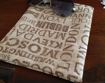 price reduced/canvas  clutch/purse printed canvas/Cosmetic bags/zippered pouch/lined muslin