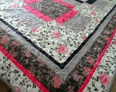 """Modern patchwork quilt, quilted bed cover, quilted blanket, 69"""" x 69"""", pink, gray, lap quilt, roses, FREE U.S. SHIPPING, quiltsy handmade"""