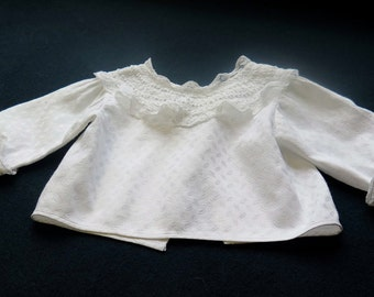 Pretty undershirt, for baby. In White Embroideries and Lace - Vintage from France Middle XX s.