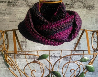 Twisted Infinity Cowl