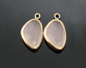 1022021 / Ice Pink / 16k Gold Plated Brass Framed Glass Pendant 10.7mm x 18.7mm / 1.0g / 2pcs