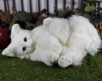 White Snowy Cat Playing Post Adorable Furry Animal Taxidermy Figurine Kitty
