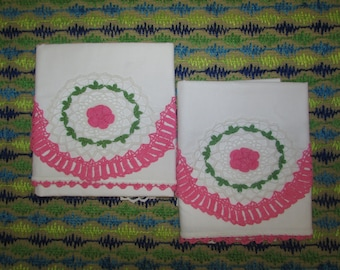 VINTAGE Cotton Pillow Cases.  Pillowcases. Crocheted Edging. Hand Crocheted Floral Designs. Clean. Very Nice Condition.