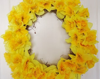"16"" Yellow Daffodil Spring Wreath"