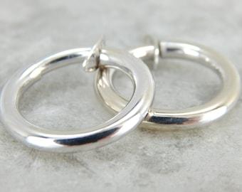 White Gold Clip-On Hoop Earrings 6H1CR4-N
