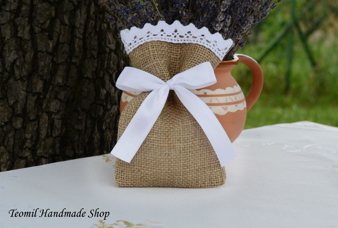 Burlap wedding favor bag burlap gift bag set of 25 for Wedding favor gift bags