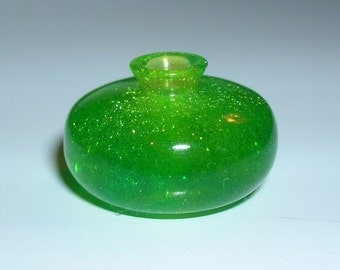 "SPARKLY GREEN 1"" Scale VASE"
