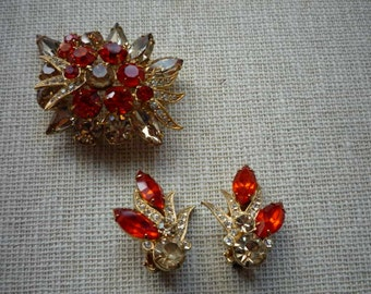 Vintage Eisenberg Ice Floral Multi Colored Rhinestone Gold Tone Brooch Pin Clip On Earring Set