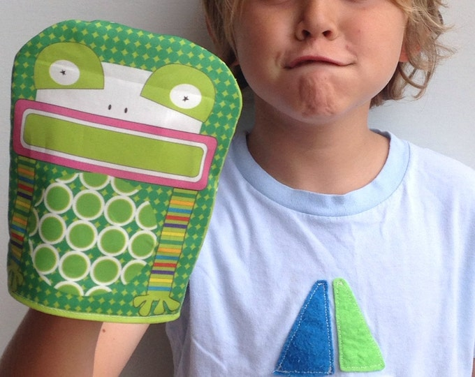 Reusable Snack Bag- SNUPPET™ snack puppet- Frog